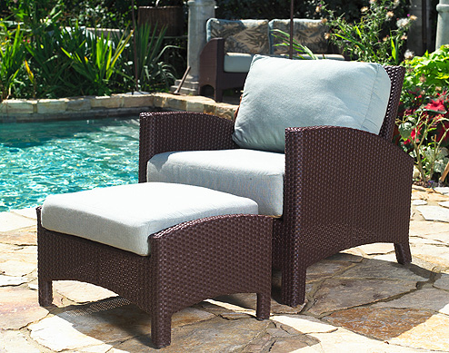 PL-26 LOUNGE CHAIR & FEET STOOL