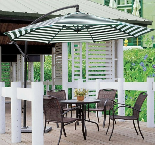 GU-05 GARDEN UMBRELLA GREEN & WHITE STRIP
